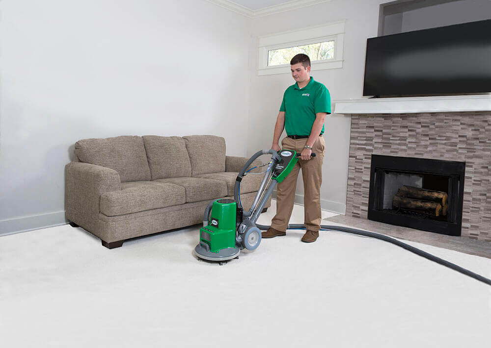 chem-dry tech performing carpet cleaning in va beach va